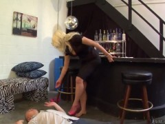 Anikka Albrite gets her feet and ass worshipped by slave