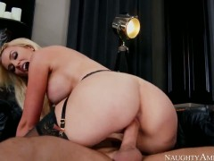 Gigi Allens fucks like a pro in hardcore sex action with Derrick Pierce